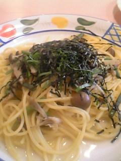 きのこと山菜の和風パスタ。あっさりして美味しかった